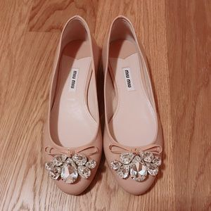 BNIB Miu Miu jeweled flats size 36 in patent nude